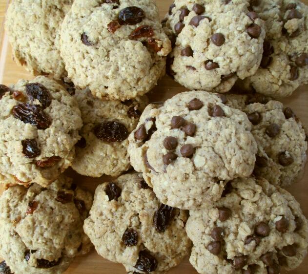 vegan oat and raisin cookies, vegan oat chocolate chip cookies