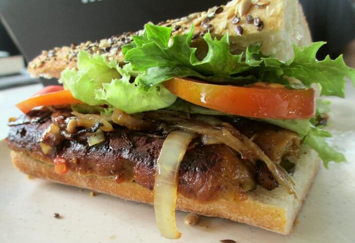 vegan lincolnshire sausages, vegan sausage, sausage sandwich, vegan sandwich